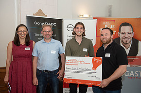 Natasa Deutinger (FHStartup Center), Matthias Schenk (Sony DADC), Quirin Eberl (Super fast Crowd-Delivery), Patrick Dürnberger (Super fast Crowd-Delivery)